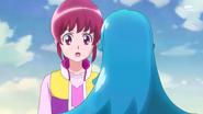 Hime le pregunta a Megumi por su deseo y esta le dice que deseara que su madre se ponga mejor de salud