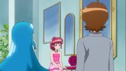 Hime y Seiji ven a Megumi decaida
