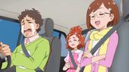 Haruka junto a su familia