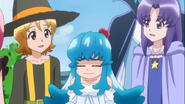 Yuko le dice que si tiene suficiente dinero