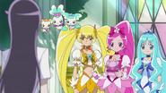 Las chicas creen que quizas con el espejo atrapacorazones, Yuri pueda volver a transformarse