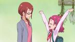 HuPC01-Hana cheers on her mom