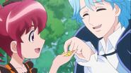 Megumi le da algunos dulces a Blue