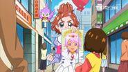 1.Haruka sosteniendo un retrato de Kanata