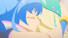 STPC49 Yuni hugging Olyfio