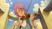 51.Kanata tocando su violin