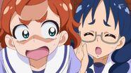 23. Yui le dice que son el Club de fans de Yuuki