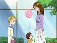 Hikari devuelve globo niño