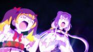 Emiru y Ruru animando por las Pretty Cure