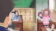 Hinata es llamada en clase