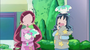 Itsuki levanta temprano a Tsubomi y Erika para entrenar en el dojo