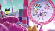 Mirage hablandoles a las Happiness Charge Pretty Cure