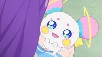 STPC16 Fuwa looks up at Madoka happily