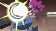 Blossom defendiéndose del ataque