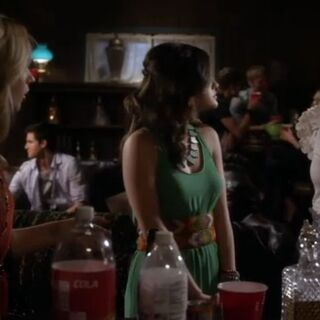 CeCe, Aria and Spencer in the cabin