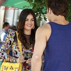 Jake and Aria in 4x08 looking happy