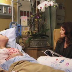 Hanna's private hospital room.