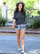 2D24B54200000578-3262678-Looking good Even without a pair of heels Sursok s legs still lo-m-4 1444174287422