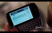 Emily-Fields-has-a-Sprint-Samsung-Intercept-on-Pretty-Little-Liars-Season-2-Episode-5-The-Devil-You-Know1
