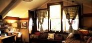 Aria's room2