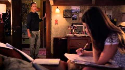 Pretty Little Liars 5x11 Byron and Aria talk about Mona