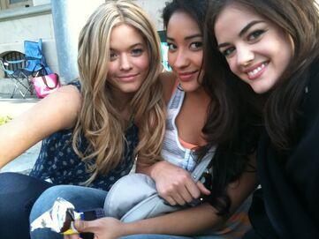 Sasha-pieterse-friends