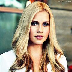 Claire Holt | Pretty L...