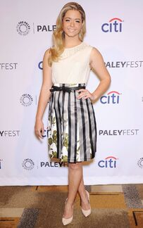 Sasha-pieterse-at-pretty-little-liars-panel-at-paley-fest 6