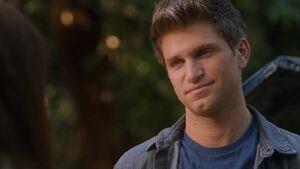 Who Is Hookup Toby On Pretty Little Liars
