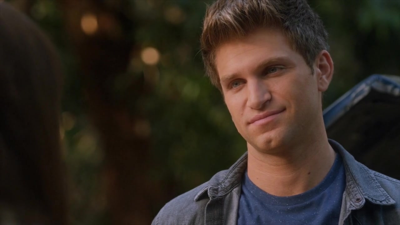 Who is from toby pll real in dating life