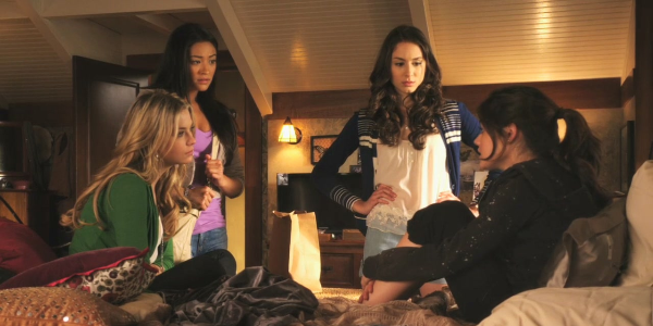 There's No Place Like Homecoming | Pretty Little Liars Wiki