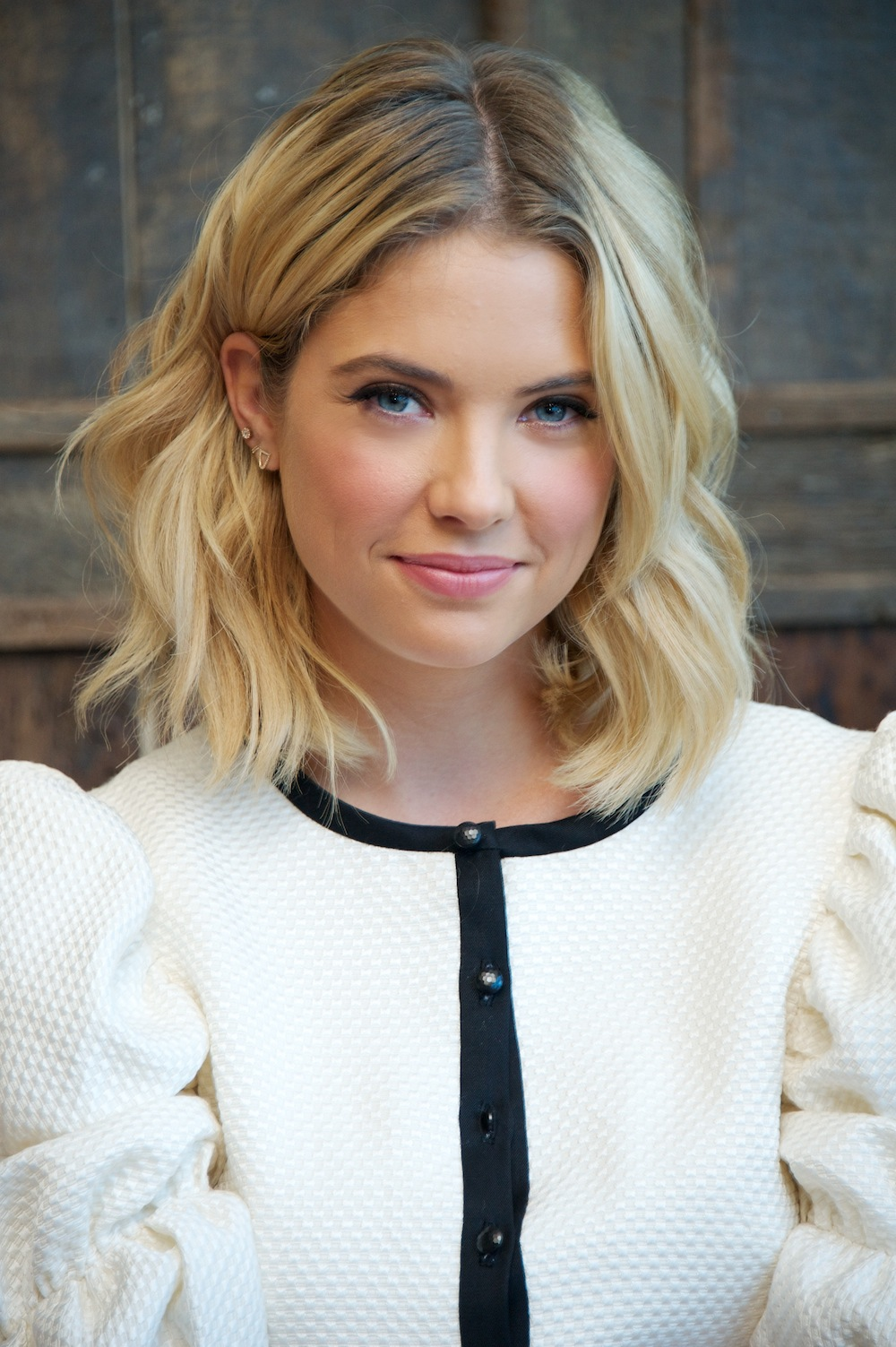 Keegan Allen And Ashley Benson Kissing Ashley Benson | Wikia ...