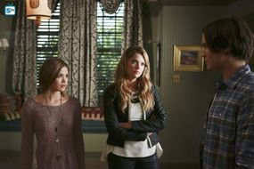 Ravenswood - Episode 1.10 - My Haunted Heart - Promotional Photos (27) FULL
