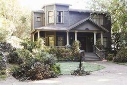 DiLaurentis House