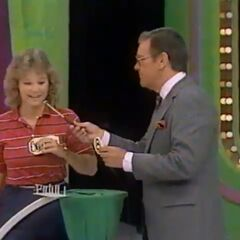 Suzanne's fourth draw is an 8. She thinks it's the first number.
