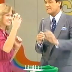 Susan's first draw is a 7. She thinks it's the second number.
