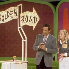 Here's the old tacky start position of Golden Road from the first permanent hour long show on November 3, 1975 (#1661D) and featured on Disc 3 of the DVD set. What ugly lettering!