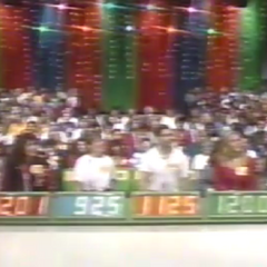 Contestant's Row from 1993: The display borders have been changed back to the standard green in 1985 and would remain this way for many years.