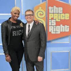 Atlanta Housewife Nene Leakes is VERY RICH and all smiles in a group photo with Drew during