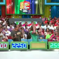 Contestant's Row with removed frame borders, from the 7,500th show in September 28 2011 (#5643K).