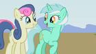 Lyra-and-Bon-Bon-my-little-pony-femslash-is-magic-26471228-512-288