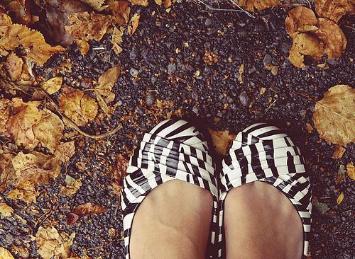File:Fall feet.jpg