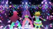 PriPara プリパラ らぁら&みれぃ&そふぃ「Pretty Prism Paradise 」かいほうオトメヴァルキュリア 完成版 YouTubey