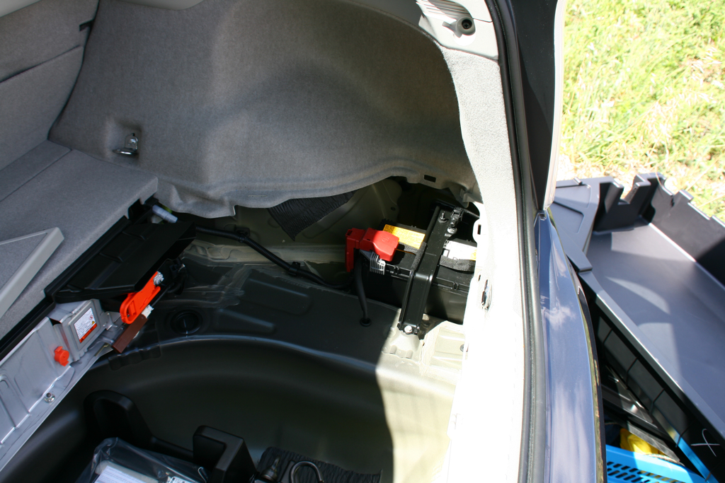Lv Battery In Trunk