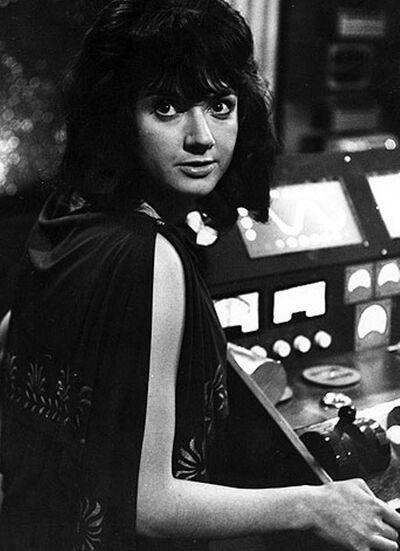 Доктор Кто-Катарина-выброшена в открытый космос