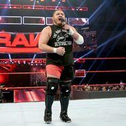 Raw 6-5-17 14