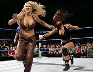 Smackdown-19-May-2006-4