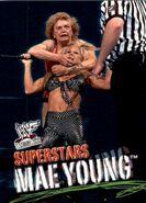 2001 WWF WrestleMania (Fleer) Mae Young 56