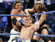 Smackdown-19-May-2006-3