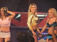 Lacey Von Erich e Beautiful People